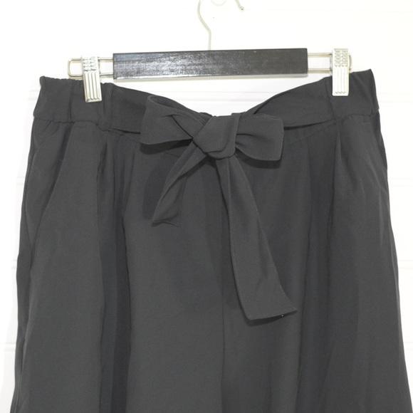 """Lululemon Size 10 Noir Crop Pant 20"""""""